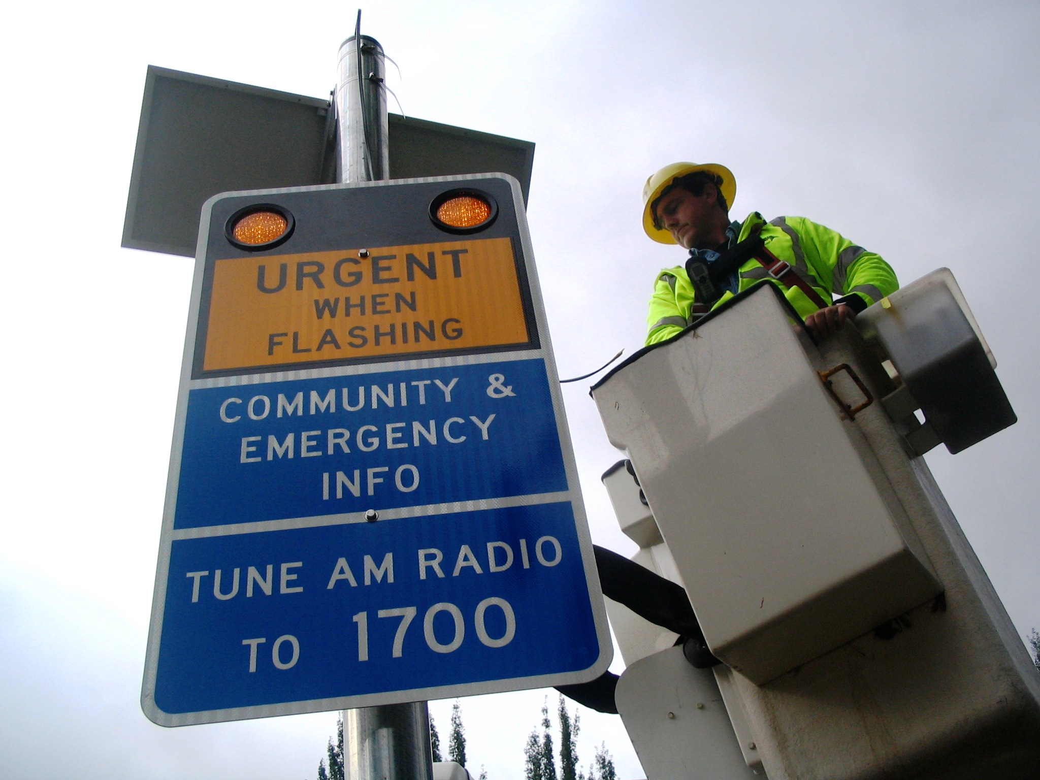 radio sign installation